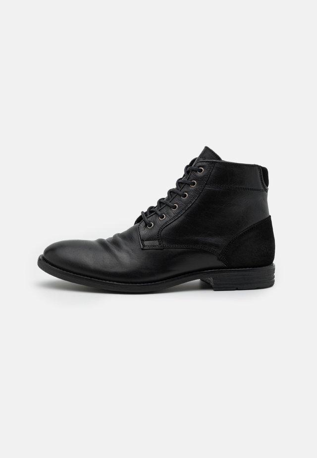 OLIELLE - Veterboots - black
