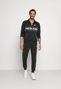 Nike Sportswear - Mikina - black/dark smoke grey/white - 1