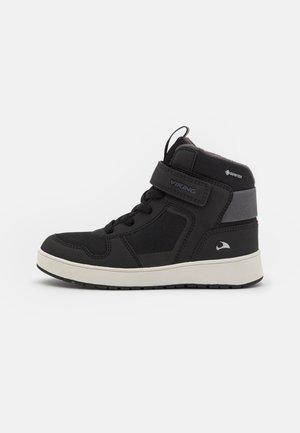 JACK GTX UNISEX - High-top trainers - black