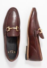Walk London - GLOVER TRIM - Elegantní nazouvací boty - cognac stone wash - 1