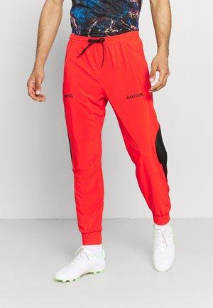 FC PANT - Teplákové kalhoty - chile red/black