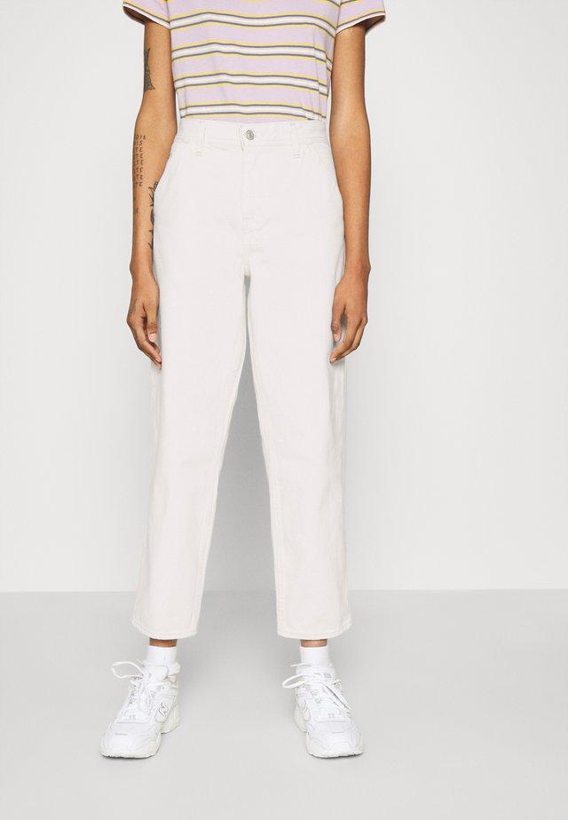PAINTER BOY  - Jeans baggy - white denim