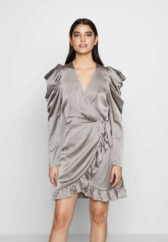 LAUREN WRAP DRESS - Cocktailkjole - grey