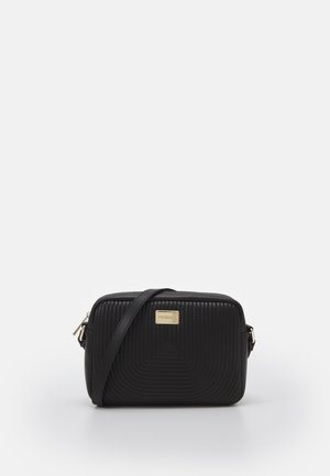 QUILTED CAMERA BAG - Skuldertasker - black