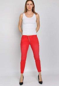 Buena Vista - Slim fit jeans - tomato - 1