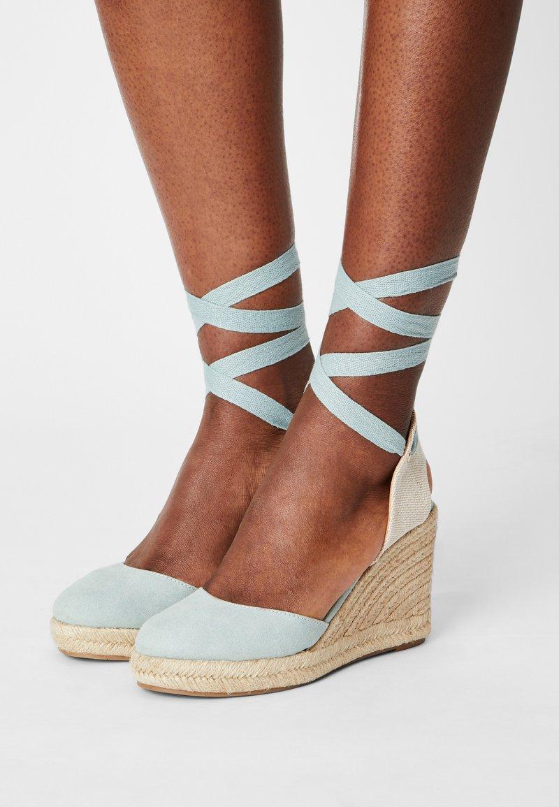mtng - LOUISA - Platform sandals - menta/natural