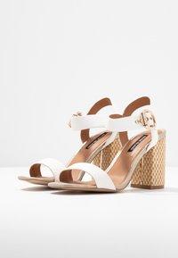 River Island - Højhælede sandaletter / Højhælede sandaler - white - 4