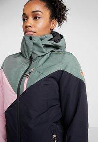 Brunotti - SHEERWATER WOMEN SNOWJACKET - Snowboard jacket - black - 9