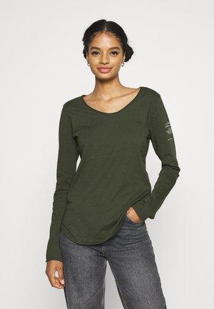 ROLLED EDGE V-NECK LONGSLEEVE - Long sleeved top - bronze green
