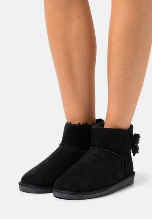 VMBECCA - Ankle boot - black