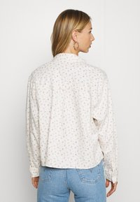 Levi's® - OLSEN UTILITY - Button-down blouse - off-white
