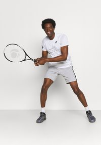 Lacoste Sport - SHORT  - Sports shorts - heidekraut grau/weiß/schwarz - 1