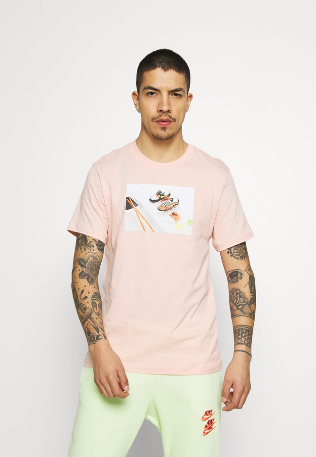 TEE FOOD SHOESHI - Print T-shirt - arctic orange