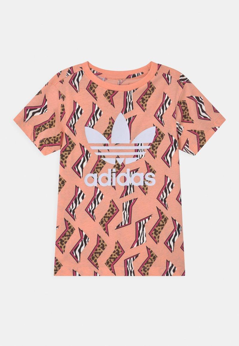 adidas Originals - TREFOIL  - T-shirt imprimé - glow pink/multicolor/white