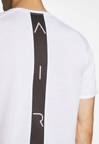 Jordan - AIR - T-shirt imprimé - white/black - 5
