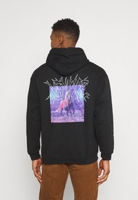 Mennace - LIGHTNING STEED REGULAR HOODIE - Luvtröja - black - 2