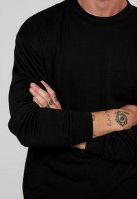 Urban Classics - TERRY CREW - Sweatshirt - black - 4