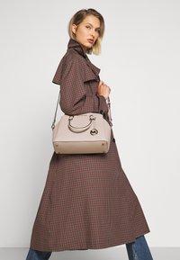 MICHAEL Michael Kors - MAXINE DOME SATCHEL - Handbag - soft pink - 1