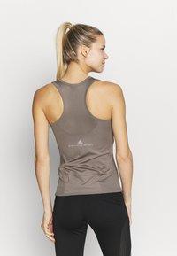 adidas by Stella McCartney - ESSENTIALS TANK - Sports shirt - simple brown - 2