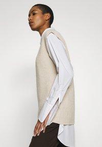 ALIGNE - ADELE - T-shirt con stampa - stone - 3