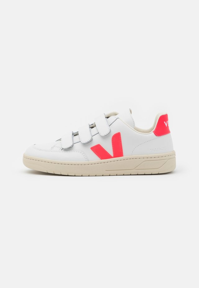 LOCK - Trainers - extra white/rose fluo