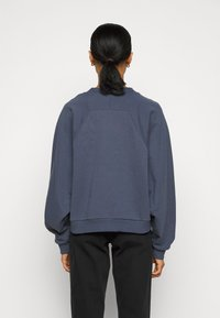BLANCHE - HELLA EXCLUSIVE - Sweatshirt - indigo/white - 2