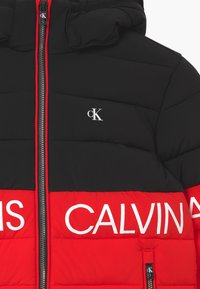 Calvin Klein Jeans - STRETCH COLOUR BLOCK - Zimní bunda - red - 3
