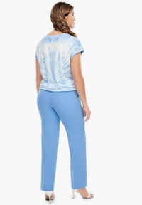 Triangle - REGULAR FIT: STRAIGHT LEG-HOSE - Trousers - blue - 2