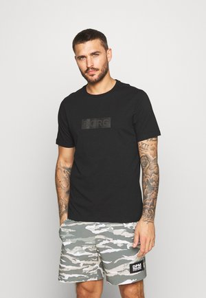SPORT TEE - T-shirt med print - black beauty