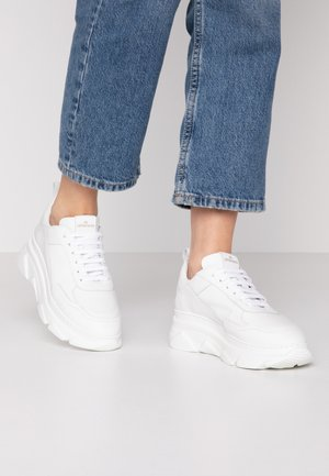 CPH40 - Trainers - white