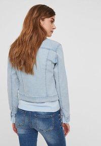 Vero Moda - VMHOT SOYA  - Denim jacket - light-blue denim - 1