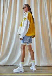 Nike Sportswear - AIR MAX 90 - Sneakers laag - summit white/wolf grey/white - 2