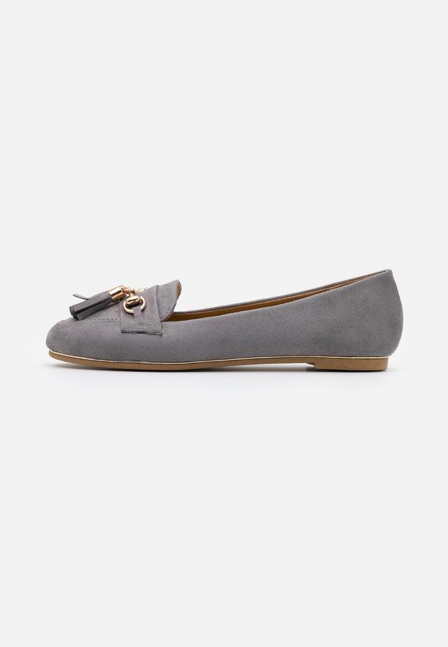 MARLO - Slip-ons - grey