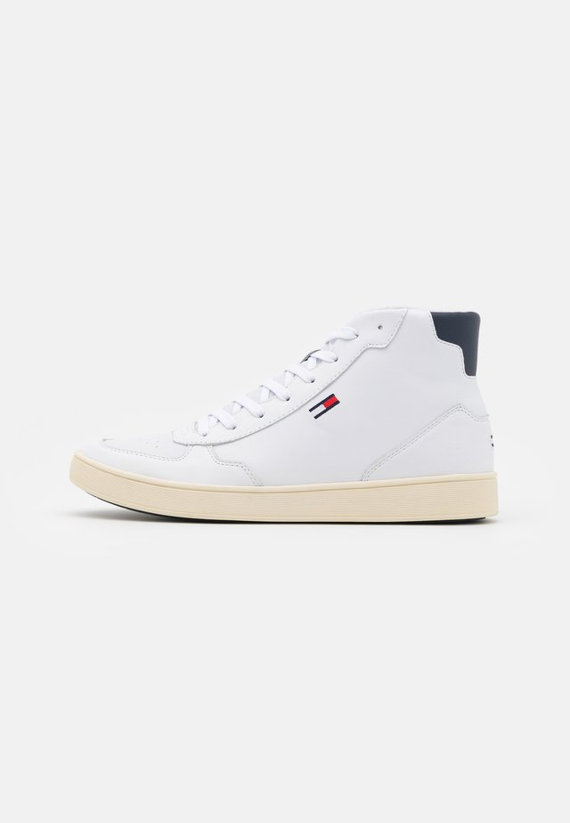 MID CUT ESSENTIAL CUPSOLE - High-top trainers - white