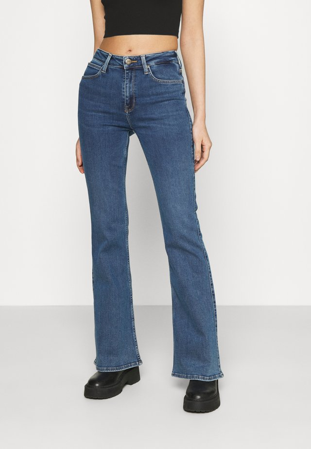 BREESE - Flared Jeans - mid ely