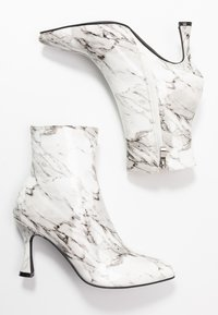 BEBO - JOLINA - Classic ankle boots - white - 3