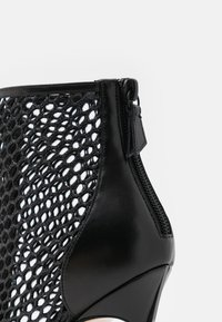 Casadei - JOLLY BLADE WEBSTER - Lace-up ankle boots - minorca/nero - 6