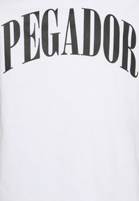 Pegador - CALI TEE UNISEX - Triko spotiskem - white/black - 6