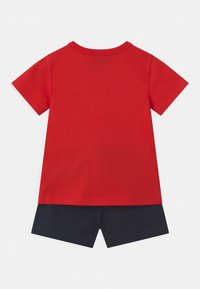 Champion - AMERICAN CLASSICS SET UNISEX - Sports shorts - red - 1