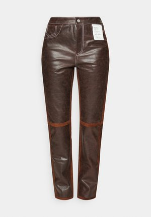 PANTALONE  - Leather trousers - brown