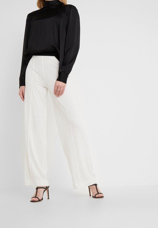 MIELA - Tygbyxor - soft white