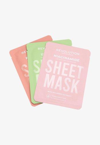 BIODEGRADABLE OILY SKIN SHEET MASK - Skincare set - -