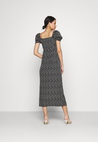 Glamorous - GATHERED BUST MAI DRESSES WITH LOW NECKLINE PUFF SHORT SLEEVES - Denní šaty - black - 2
