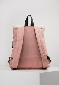 Enter - Rucksack - melange red/natural - 2