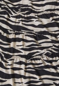 Cartoon - KLEID - Day dress - black/white - 2