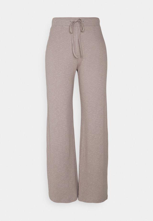 PCLASA WIDE PANT LOUNGE - Bukse - cinder