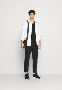 Superdry - CLASSIC TEE - Basic T-shirt - black - 1