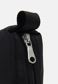 ARKET - UNISEX - Wash bag - black - 3