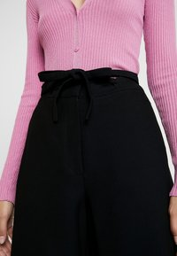 IVY & OAK - OCCASION WIDE PANTS - Pantaloni - black - 5