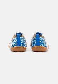 Camper - KIDS UNISEX - Volnočasové šněrovací boty - white/blue - 2